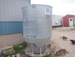 Sold to Minnesota  pic 4 of 4 - Used , but looks like brand new - 80 bushel - $750.  New this sells for over $1700.