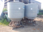2 outdoor feeders to Knoxville, TN