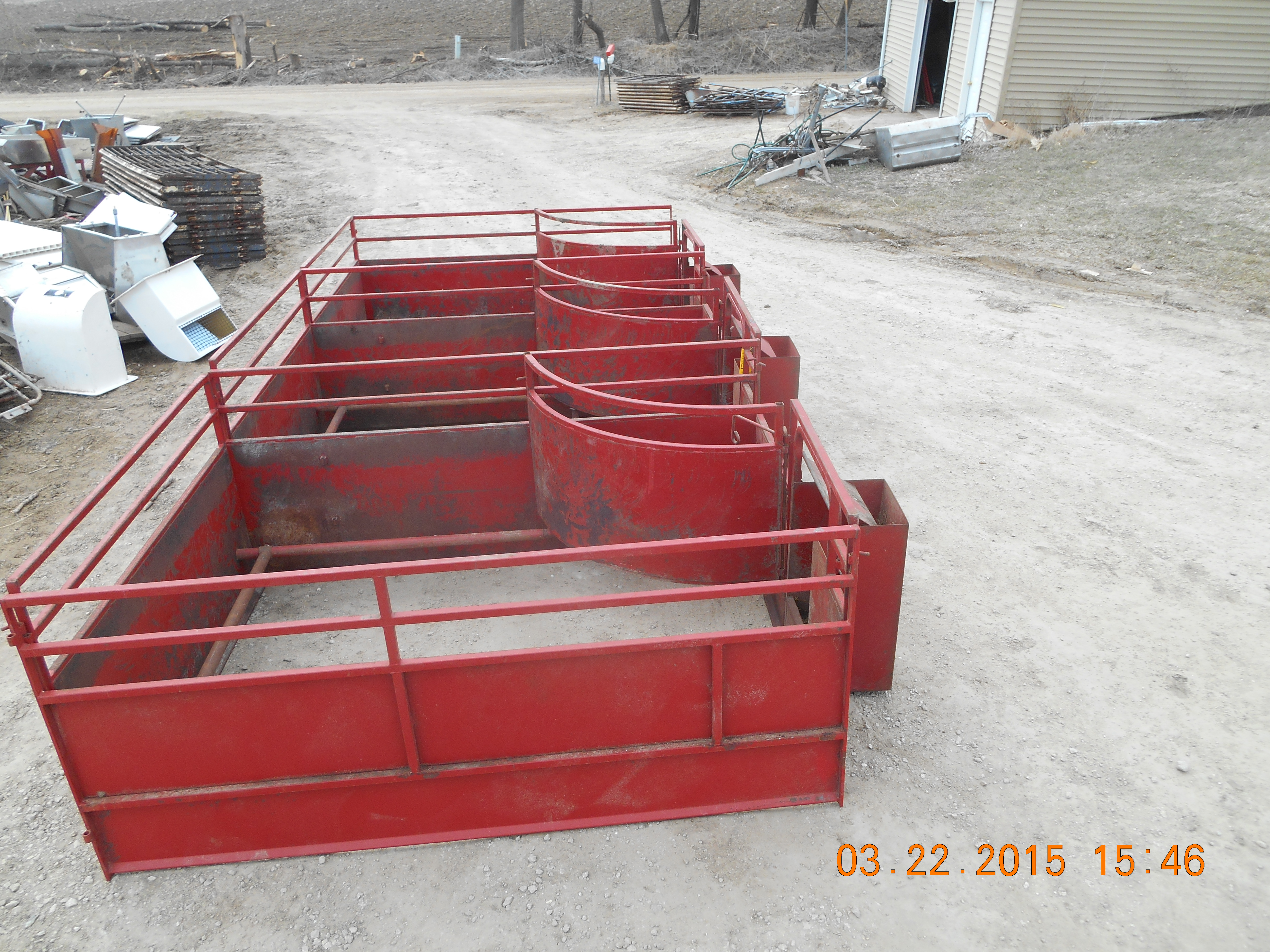 3 Farrowing Pens 750 Total 5 By 7 Units