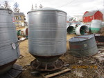 Feeder # 6 - 2  pictures Big Husky  - $250  - pic 2 of 2 - I need to find clips and lids  - 90 Bushel (3 ring)