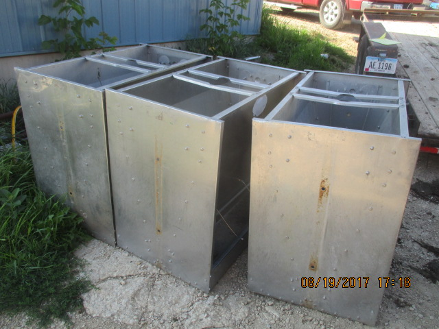 """1 hog slat feeders - 40"""" by 24"""" wide by 36"""" tall - $160 each Real nice if you are feeding only a few pigs or limited on pen size"""